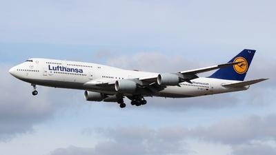 A picture of DABYJ - Boeing 747830 - Lufthansa - © Valentin Jahn