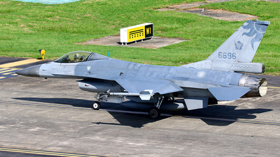6696 - General Dynamics F-16A Fighting Falcon - Taiwan - Air Force