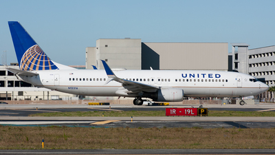 N12216 - Boeing 737-824 - United Airlines