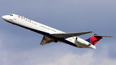N903DE - McDonnell Douglas MD-88 - Delta Air Lines