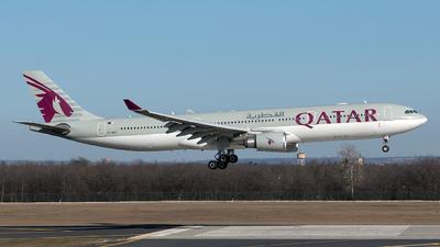 A picture of A7AEG - Airbus A330302 - Qatar Airways - © Szabó Imre