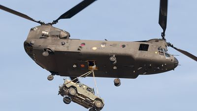 HT.17-17 - Boeing CH-47D Chinook - Spain - Army
