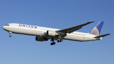 A picture of N59053 - Boeing 767424(ER) - United Airlines - © Dave Henderson