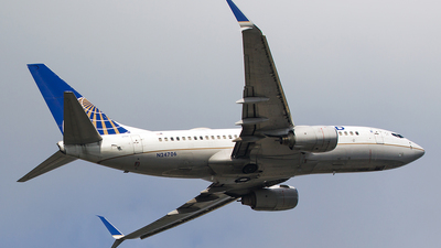 N24706 - Boeing 737-724 - United Airlines