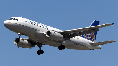A picture of N819UA - Airbus A319131 - United Airlines - © Pepe Ancira