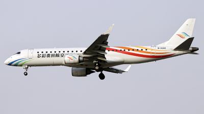 A picture of B3285 - Embraer E190LR - Colorful GuiZhou Airlines - © guaiguai9guaizhang