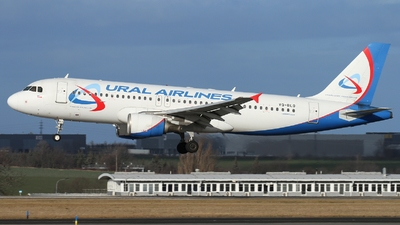 VQ-BLO - Airbus A320-214 - Ural Airlines