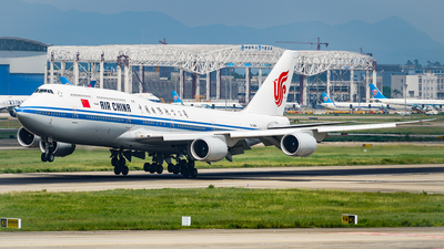 A picture of B2485 - Boeing 74789L - Air China - © FJL767400
