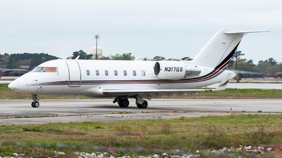 A picture of N217QS - Bombardier Challenger 650 - NetJets - © Devin | Charleston.Spotter