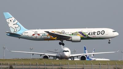 A picture of JA602A - Boeing 767381 - Air Do - © Yoshiharu Ozaki