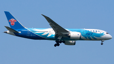 A picture of B2727 - Boeing 7878 Dreamliner - China Southern Airlines - © miCHAel TAN