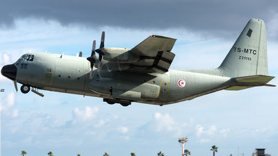 Z21113 - Lockheed C-130B Hercules - Tunisia - Air Force