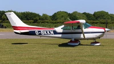 A picture of GBKKN - Cessna 182R Skylane - [18267801] - © ian simpson