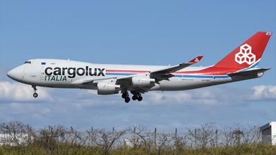 A picture of LXSCV - Boeing 7474R7(F) - Cargolux - © Akihiko Takahashi