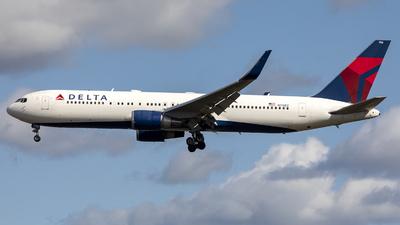 N176DZ - Boeing 767-332(ER) - Delta Air Lines