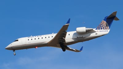 N453AW - Bombardier CRJ-200LR - United Express (Air Wisconsin)