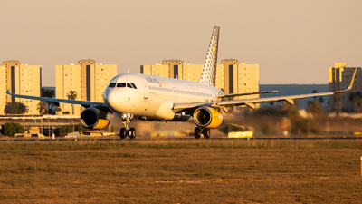 A picture of ECMDZ - Airbus A320232 - Vueling - © Fryderyk Kastelnik/ Fred Aviation
