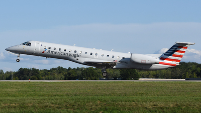 A picture of N819AE - Embraer ERJ140LR - American Airlines - © DJ Reed - OPShots Photo Team