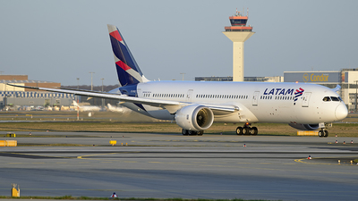 CC-BGE - Boeing 787-9 Dreamliner - LATAM Airlines