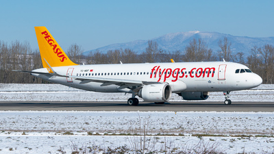 A picture of TCNBF - Airbus A320251N - Pegasus Airlines - © Stefan Gschwind