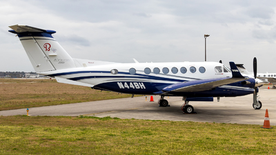 N44BH - Beechcraft B300 King Air 350i - Crossroad Aviation