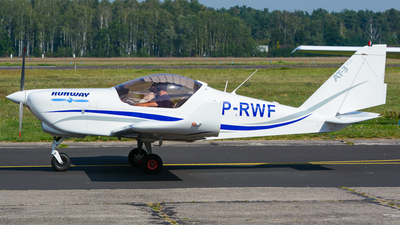 SP-RWF - Aero AT-3-R100 - Runway - Pilot School