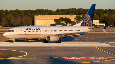 A picture of N73275 - Boeing 737824 - United Airlines - © Positive Rate Photography