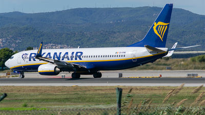 A picture of EIEMB - Boeing 7378AS - Ryanair - © RZ
