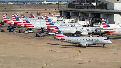 A picture of N259NN - Embraer E175LR - American Airlines - © SAGARA