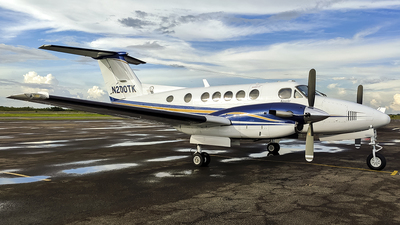 N200TK - Beechcraft B200 Super King Air - Private