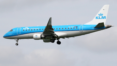 A picture of PHEXT - Embraer E175STD - KLM - © Nigel Fenwick