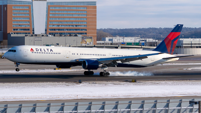 A picture of N830MH - Boeing 767432(ER) - Delta Air Lines - © Steve Rinde