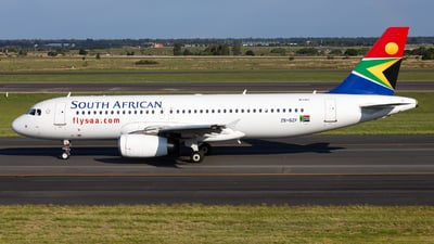 ZS-SZF - Airbus A320-232 - South African Airways