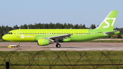 A picture of VQBET - Airbus A320214 - S7 Airlines - © Vitaly Revyakin