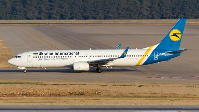 UR-PSK - Boeing 737-94XER - Ukraine International Airlines
