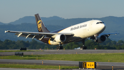 A picture of N130UP - Airbus A300F4622R - UPS - © Jake Oesterreich