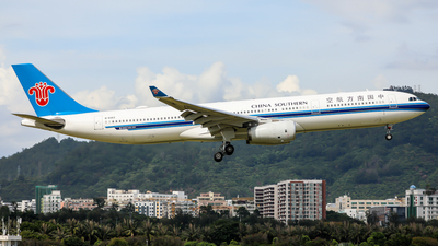 A picture of B8363 - Airbus A330343 - China Southern Airlines - © Dandelionlv125
