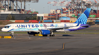 A picture of N14106 - Boeing 757224 - United Airlines - © Xiamen Air 849 Heavy