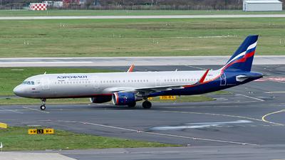 A picture of VPBKQ - Airbus A321211 - Aeroflot - © Sebastian Thiel
