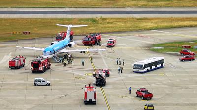 PH-KZE - Fokker 70 - KLM Cityhopper