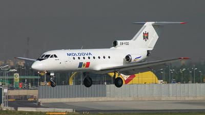 ER-YGD - Yakovlev Yak-40 - Moldavia - Government
