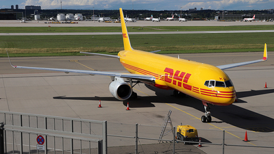 A picture of GDHKU - Boeing 757223(PCF) - DHL - © Simon Reichert