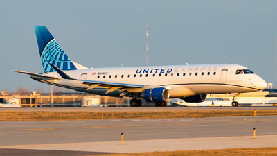 A picture of N614UX - Embraer E175LL - United Airlines - © Davin Amy