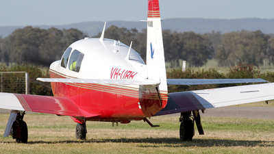 VH-URH - Mooney M20J - Private