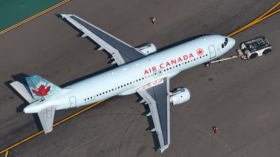C-FFWM - Airbus A320-211 - Air Canada