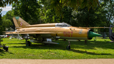 9107 - Mikoyan-Gurevich Mig-21 Fishbed - Poland - Air Force