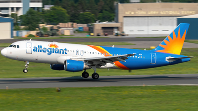 A picture of N259NV - Airbus A320214 - Allegiant Air - © Hudson Garber