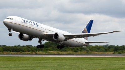 N76064 - Boeing 767-424(ER) - United Airlines