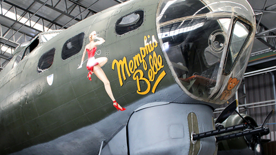 G-BEDF - Boeing B-17G Flying Fortress - Private