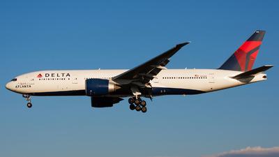 N702DN - Boeing 777-232LR - Delta Air Lines